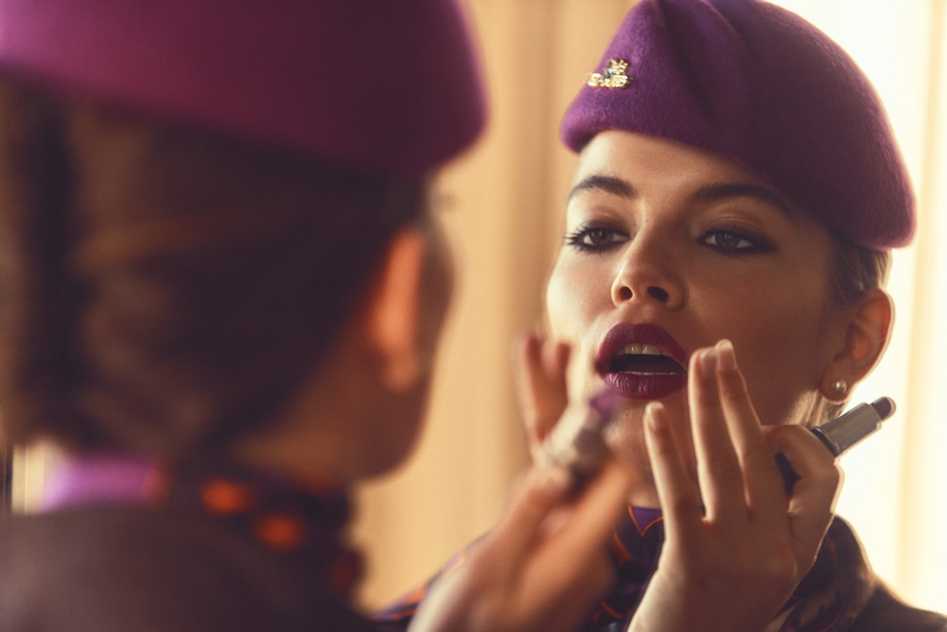 Etihad-girl-with-lipstick